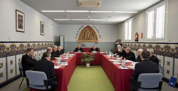 """Los obispos catalanes defienden """"la legitimidad moral"""" de las """"opciones"""" independentistas"""