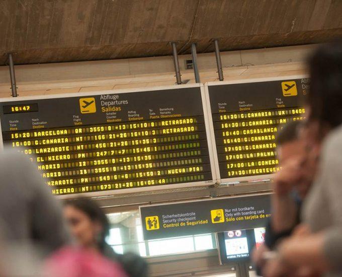 Unos 900 pasajeros afectados solo en el Aeropuerto Tenerife Sur