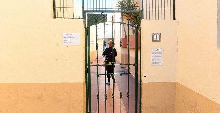 En estado grave tras ser acuchillada por su marido en su casa de Adeje