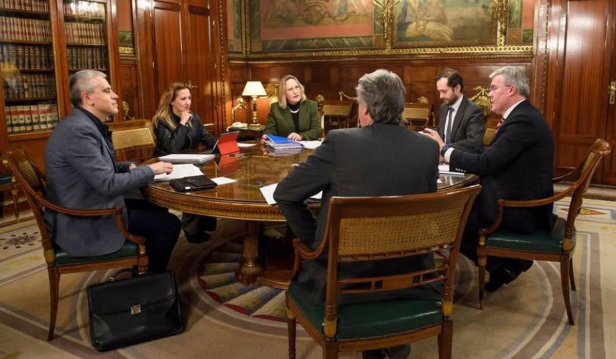 El encuentro del pasado lunes con el secretario de Hacienda, clave para cerrar el pacto. DA