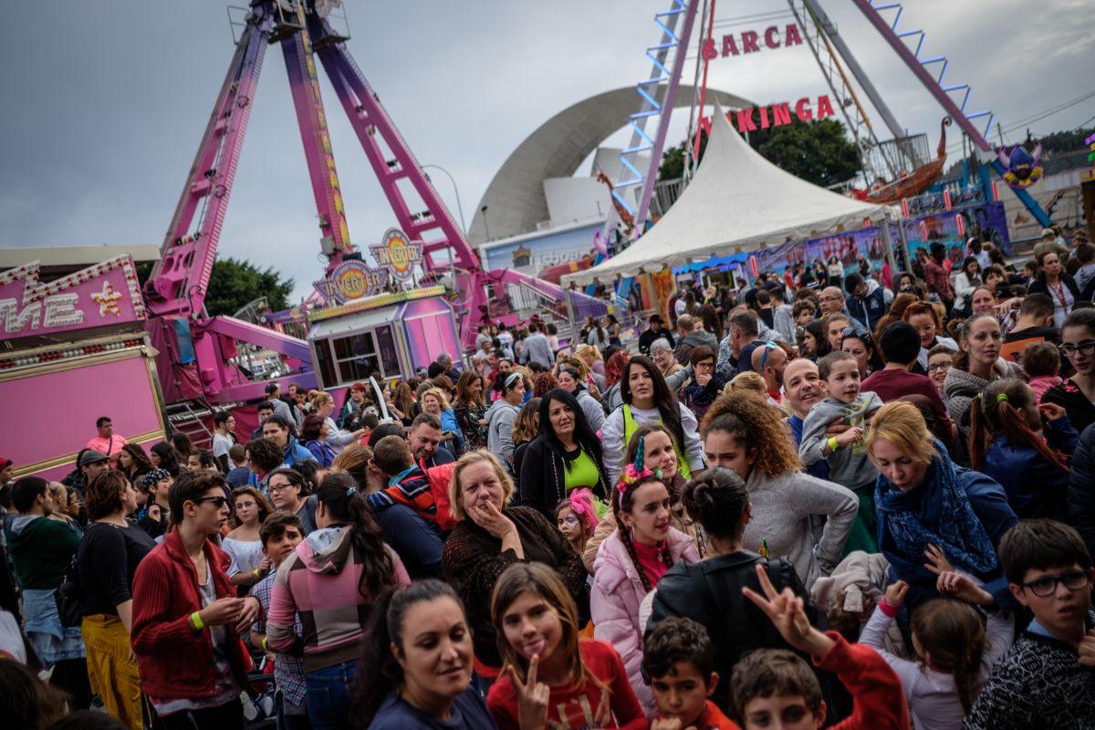 El éxito de la jornada de puertas abiertas de la feria del Carnaval fue incontestable, alcanzando                                          un lleno absoluto. Andrés Gutiérrez