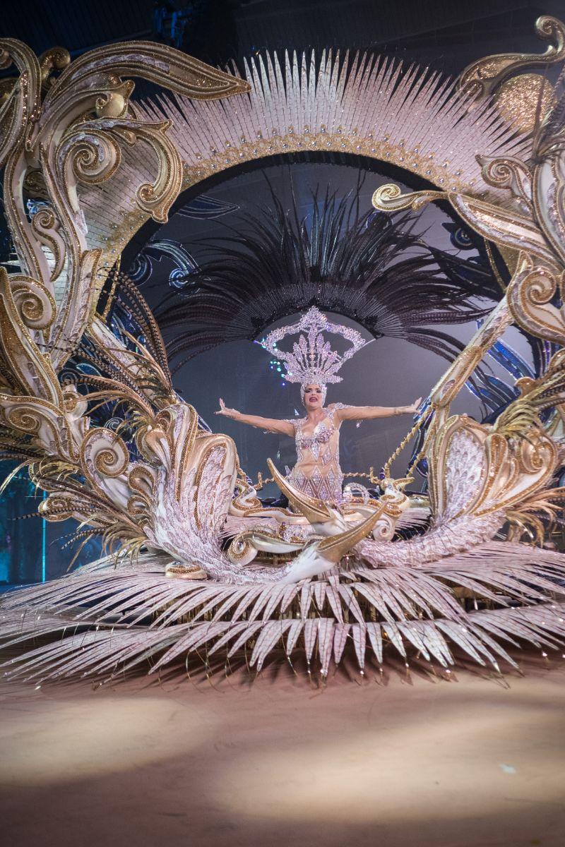 La candidata de DIARIO DE AVISOS y EL ESPAÑOL, durante la Gala de Elección      de la Reina del Carnaval 2018. Andrés Gutiérrez