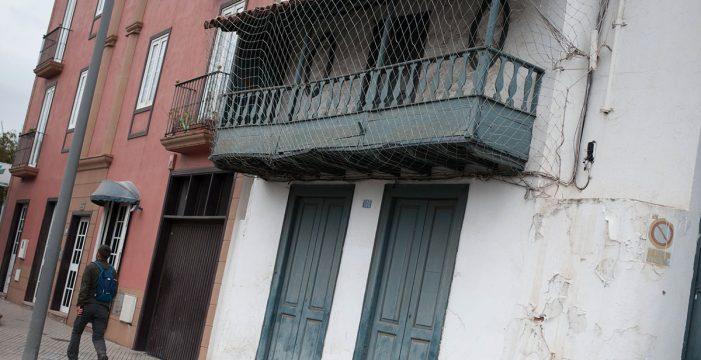Los vecinos denuncian el riesgo de ruina de edificios históricos de San Benito