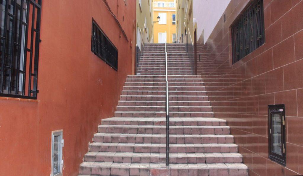 """La propuesta de Macrina pretende darle color a una escalera """"gris"""". DA"""