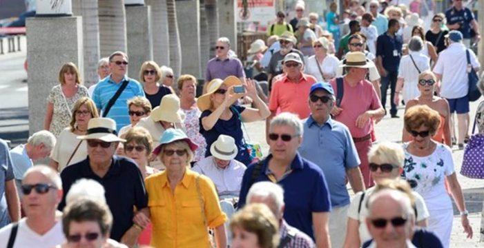 Los turistas dan un notable alto a la gastronomía canaria