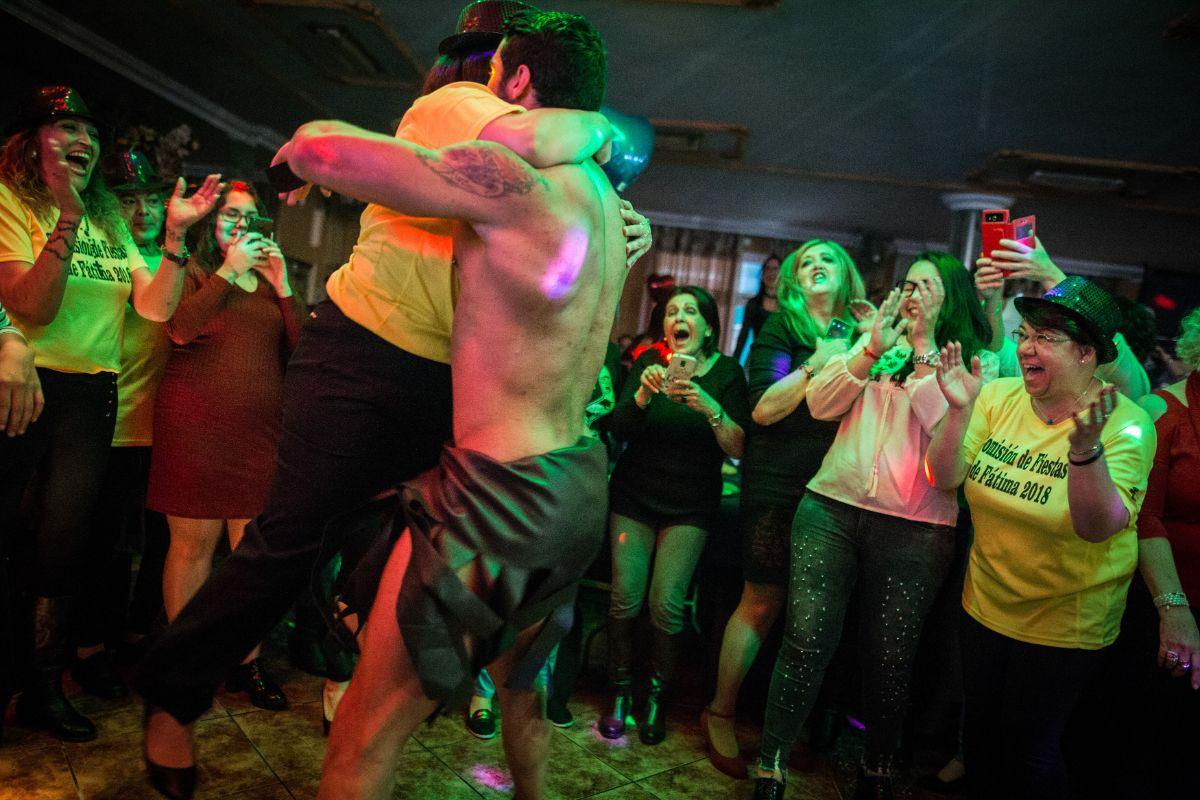 fiesta erótico trajes cerca de Sabadell