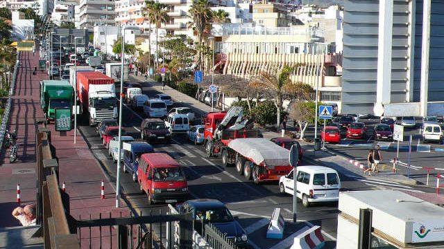 Crece la preocupación por la presión del puerto de Los Cristianos sobre el tráfico