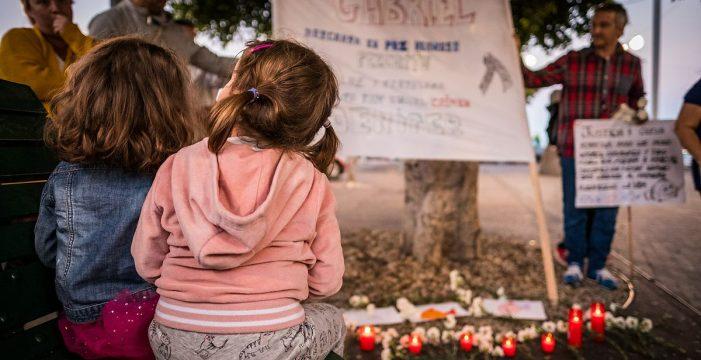 Concentración por el pequeño Gabriel Cruz frente al Cabildo de Tenerife