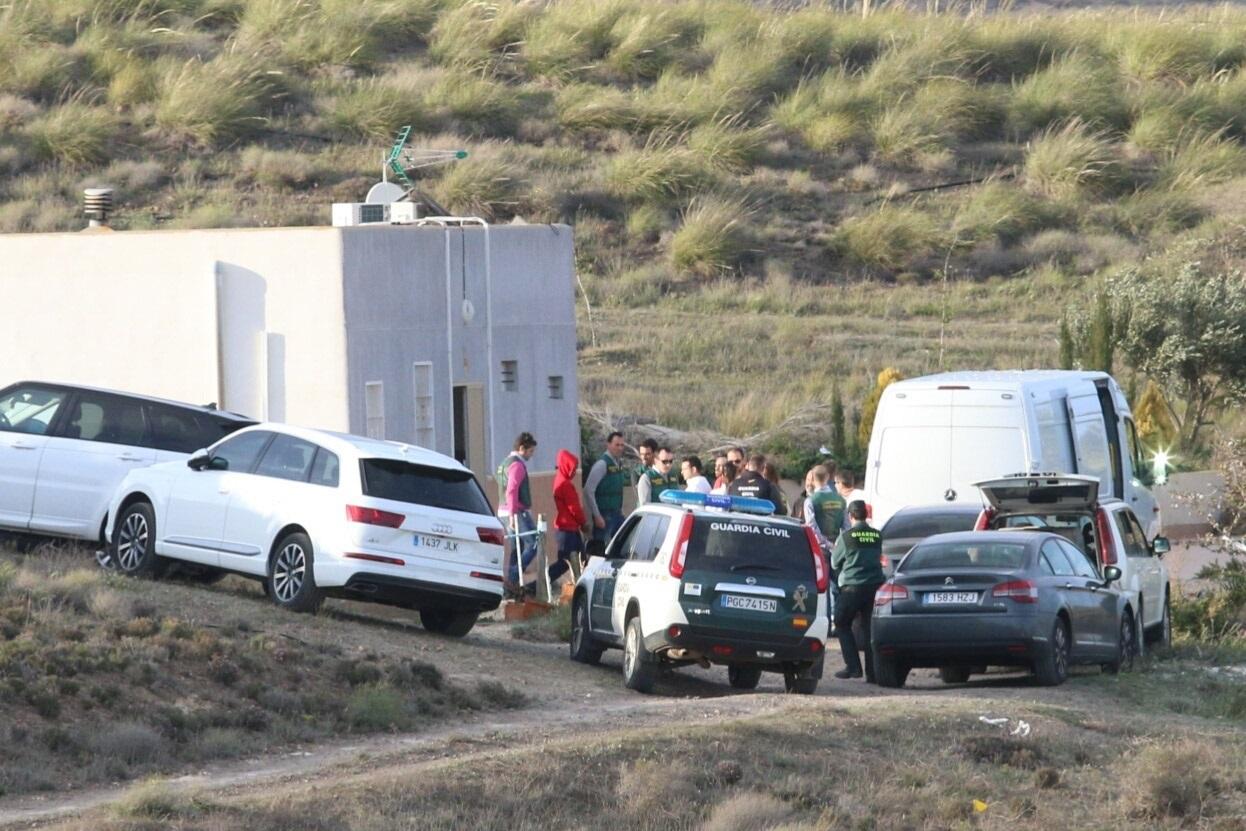 La Guardia Civil traslada a Ana Julia a la finca del valle del Rodalquilar para un nuevo registro. | EP