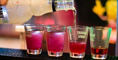 La futura Ley contra el alcohol establece que se sancione a los padres de los menores que beban