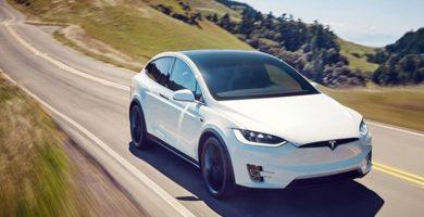 """Tesla, demandada en EE.UU. por la muerte de un pasajero a causa de una batería """"defectuosa"""""""