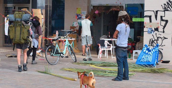 IU advierte del drama de las familias sin vivienda en el Sur de Tenerife