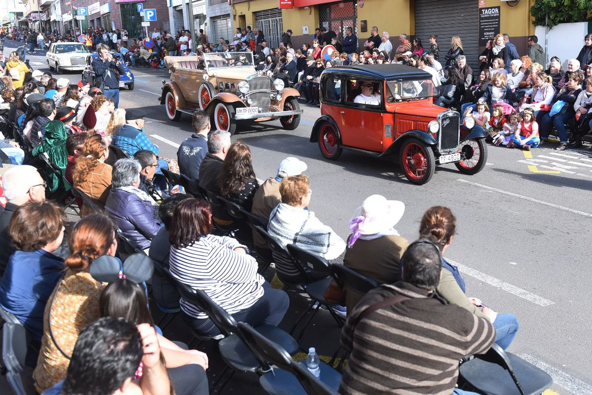 Grandes y pequeños disfrutaron de un Carnaval para toda la familia en el que también participaron grupos, comparsas y murgas de Santa Cruz y de todo el norte de la Isla. Sergio Méndez