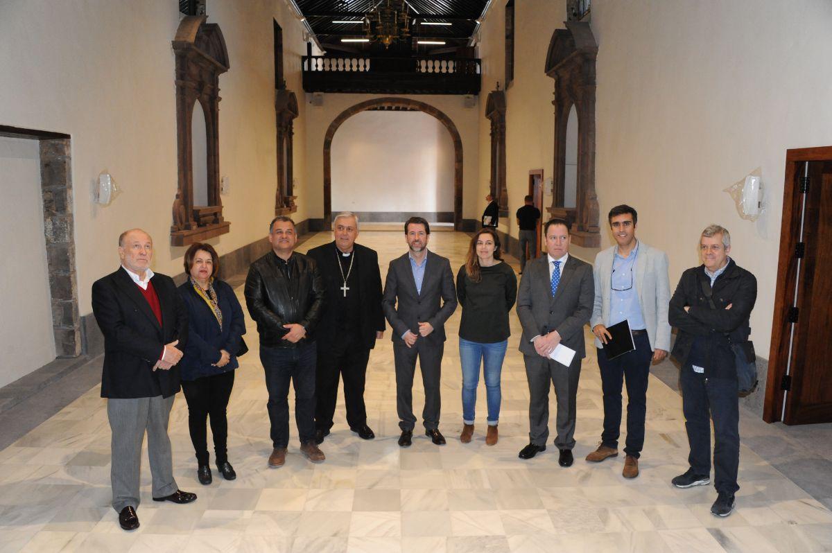 Los representantes políticos visitaron recientemente el santuario para conocer el resultado de las obras. DA