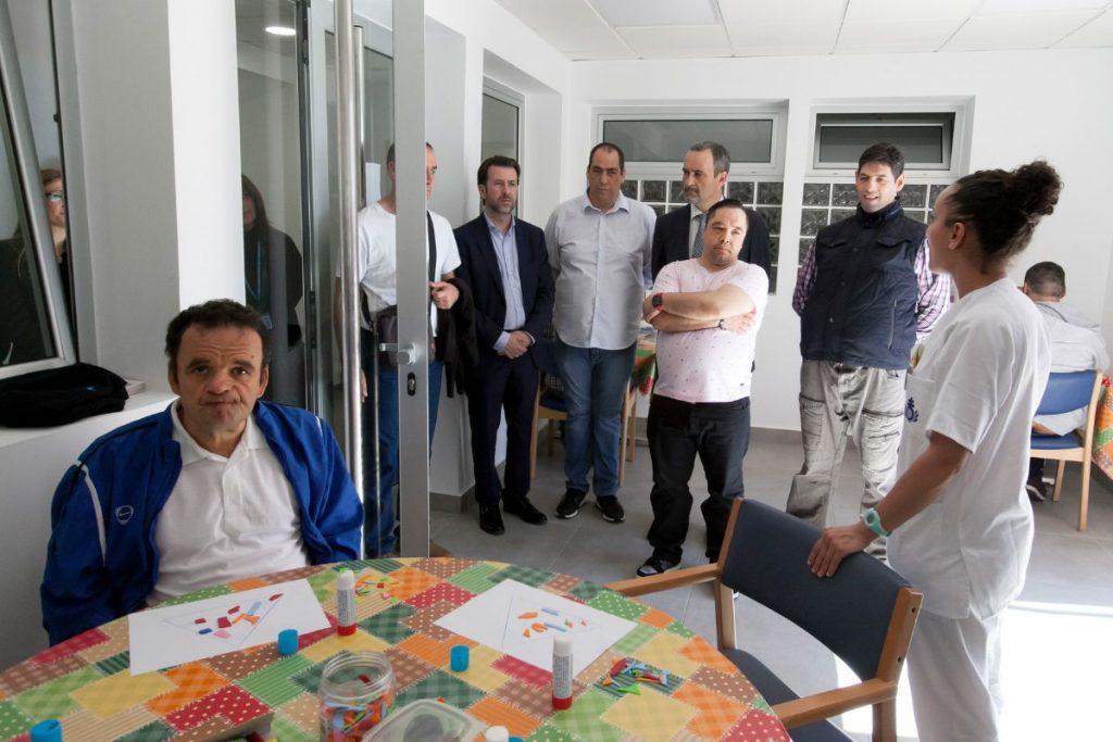 El presidente Carlos Alonso visitó ayer el hospital de San Juan de Dios. DA