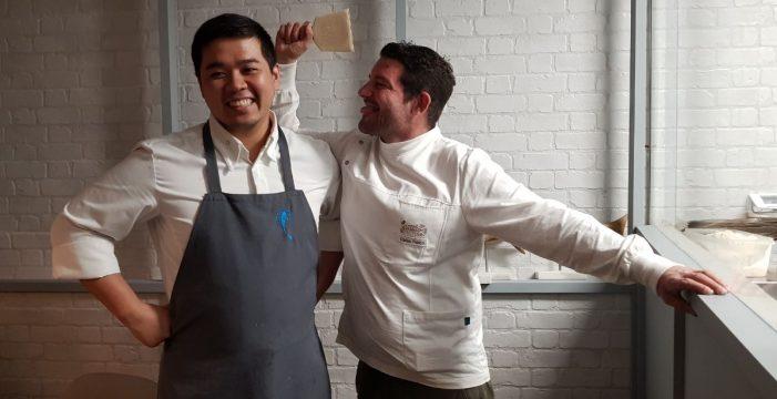 Juegos malabares de los chefs Carlos Villar y Tadashi Tagami