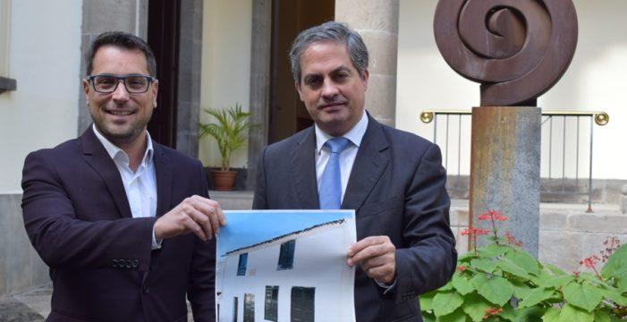 El Parlamento aprueba la adquisición de la casa natal de Viera y Clavijo