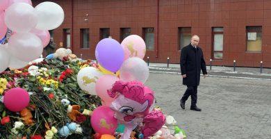 Putin achaca la causa del incendio del centro comercial de Siberia a una negligencia. | EP