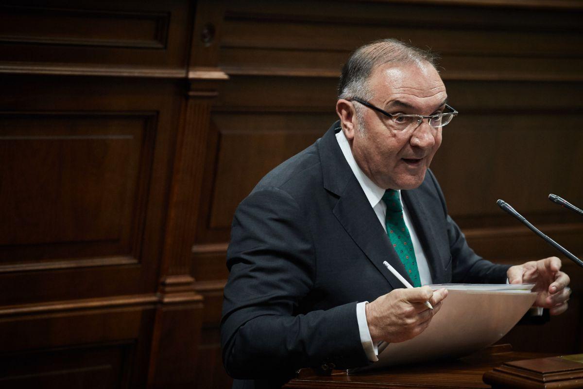 José Manuel Baltar, en el Parlamento. | Foto: Andrés Gutiérrez