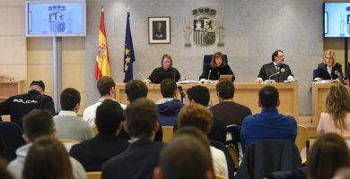 La Audiencia Nacional acoge el juicio contra los ocho acusados de la agresión a dos guardias civiles y sus novias en Alsasua en octubre de 2006. | EP