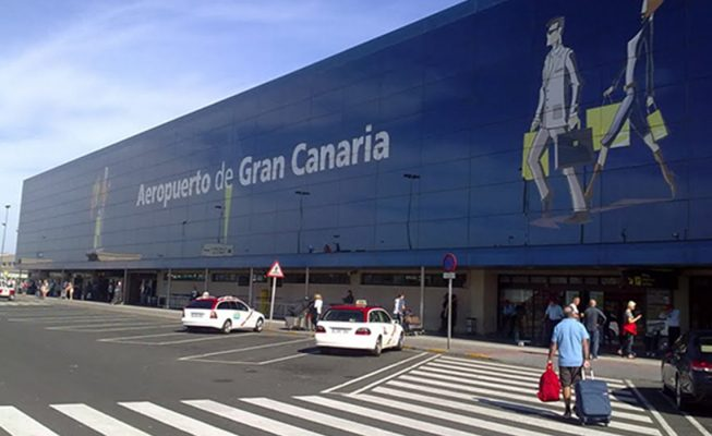Detenido sin mascarilla en el aeropuerto por agresión a un policía