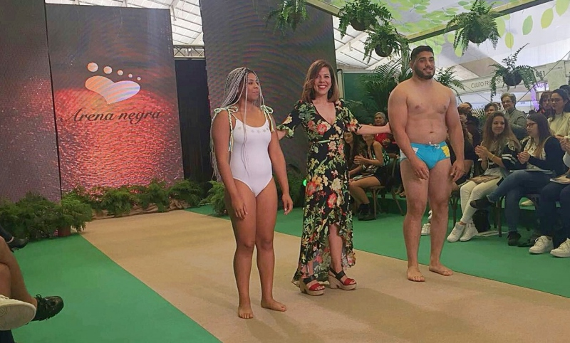Lucha canaria pasarela Tenerife Moda bañadores Arena Negra (10)