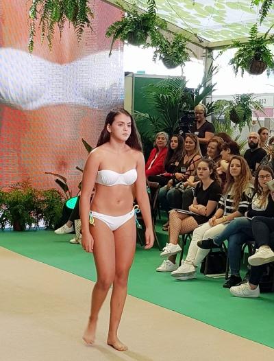 Lucha canaria pasarela Tenerife Moda bañadores Arena Negra (14)