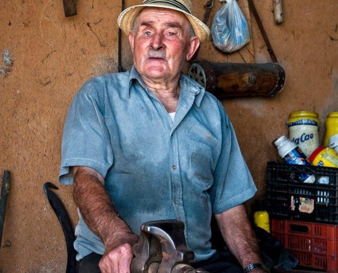 Venancio González Hernández, herrero de Pinolere, una vida junto a la fragua