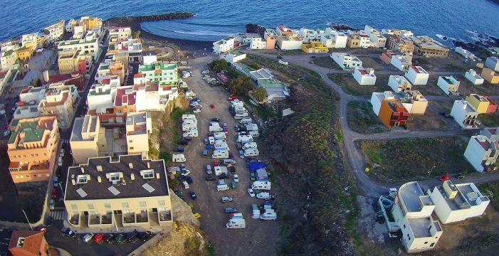 Las caravanas toman de 'manera ilegal' el barranco de Las Eras