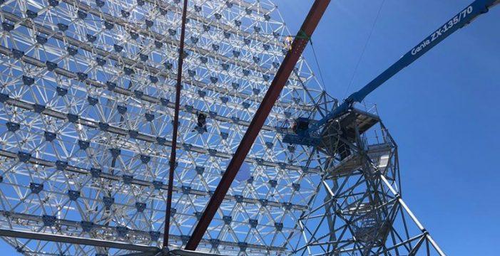 Empiezan a instalar los 198 espejos del prototipo de la Red de Telescopios Cherenkov
