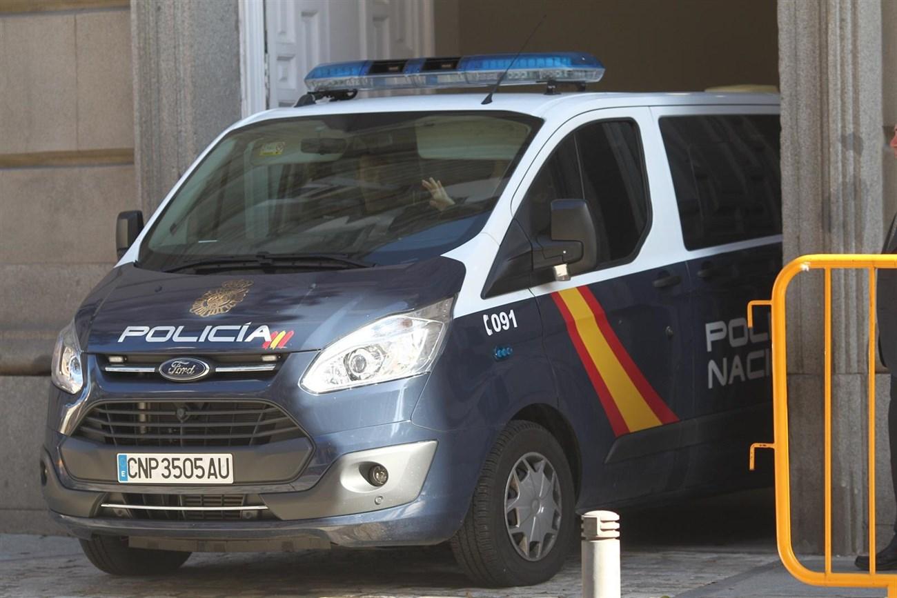 La policía traslada al Tribunal Supremo a Jordi Sànchez, Junqueras y Jordi Cuixart. | EP
