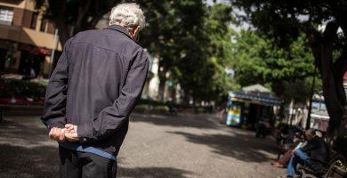 Más de 7.000 personas mayores viven solas en Santa Cruz