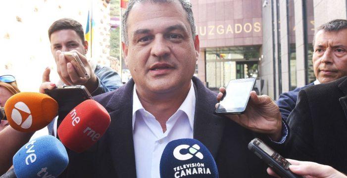 Díaz (CC) pone el ventilador y defrauda con su silencio por el temor a equivocarse