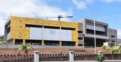 Los dos edificios ya están levantados y ahora se les está equipando y recubriendo las fachadas. S. M.