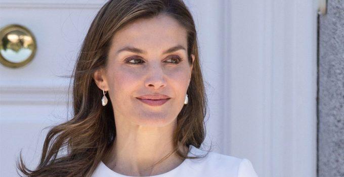 La reina Letizia apuesta por Zara en mitad de la polémica