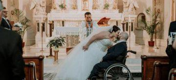 Conmovedoras lágrimas de este novio con parálisis cerebral el día de su boda