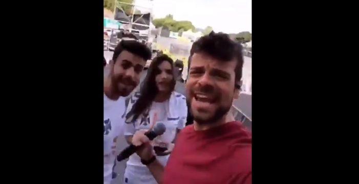 Ana War y Agoney, en el Parque Marítimo con la camiseta del 'Tete'