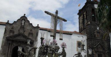 En la solemne procesión de la Santa Cruz Gloriosa, orgullo pueblo palmero. | Foto: J.G.R.E.