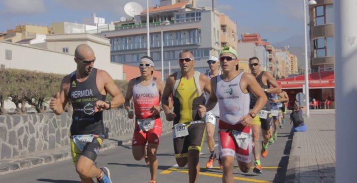Más de 340 triatletas disputarán el Triatlón de El Médano este domingo