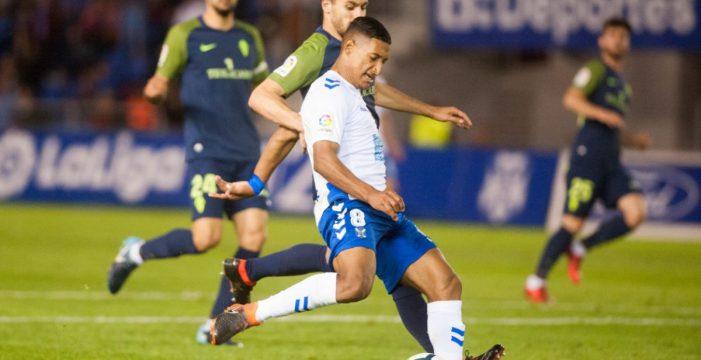 El Tenerife rompe su mala racha de resultados ante un Sporting desconocido