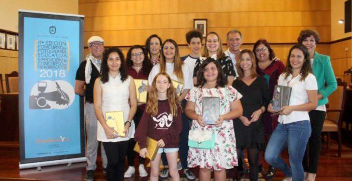 Candelaria entrega los premios de fotografía educativa y microrelatos