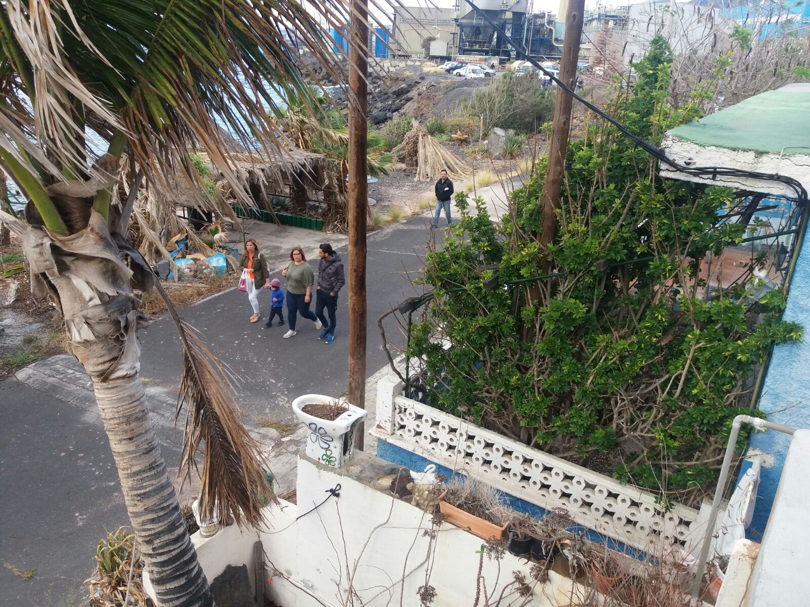 Vecinos de Bajo la Cuesta (3)
