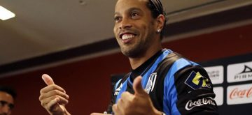 ¿Se casará Ronaldinho con dos mujeres este verano?