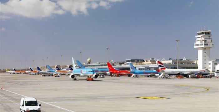 """Aena: """"No se justifica"""" la construcción de nuevas pistas en los aeropuertos de Tenerife Sur y Gran Canaria"""