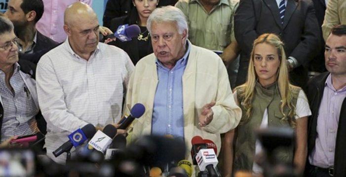 """Aznar, González y otros 21 expresidentes iberoamericanos condenan la """"farsa electoral"""" en Venezuela"""