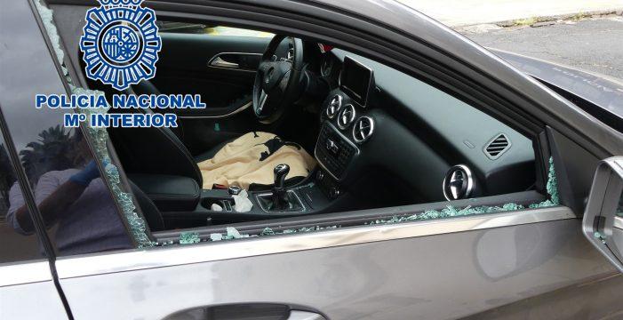 Detenido tras dañar con piedras 15 coches aparcados en Santa Cruz de Tenerife