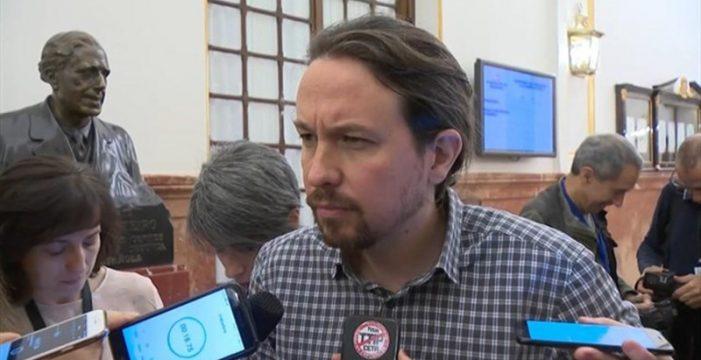 """Iglesias ve """"bastante cutre"""" que el libro de Sánchez incluya párrafos copiados y pide que lo explique"""