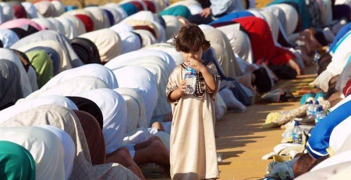 Casi 20.000 musulmanes celebran desde hoy en el Sur el Ramadán