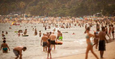 Las Teresitas es la única playa urbana con que cuenta el municipio de Santa Cruz y perdió la Bandera Azul hace ya 15 años. Fran Pallero