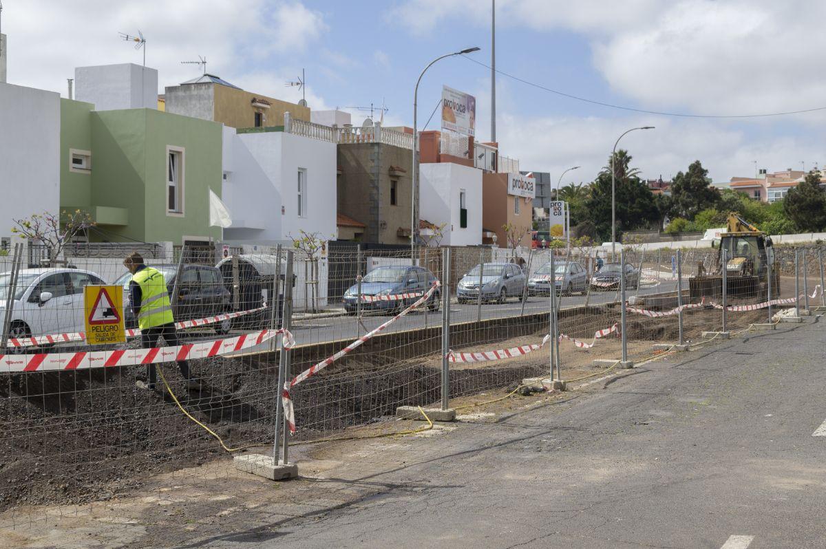 Las obras se realizan justo en frente de sus viviendas. Laura Expósito